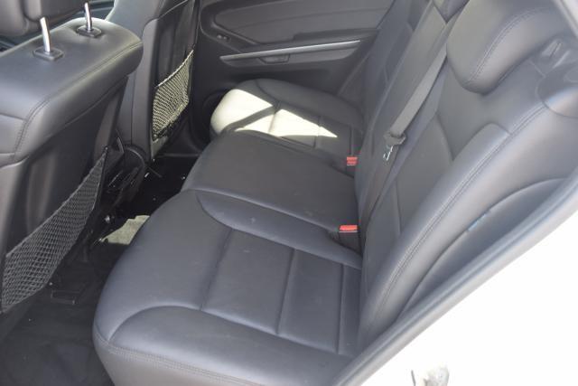 2009 Mercedes-Benz ML350 3.5L Richmond Hill, New York 14