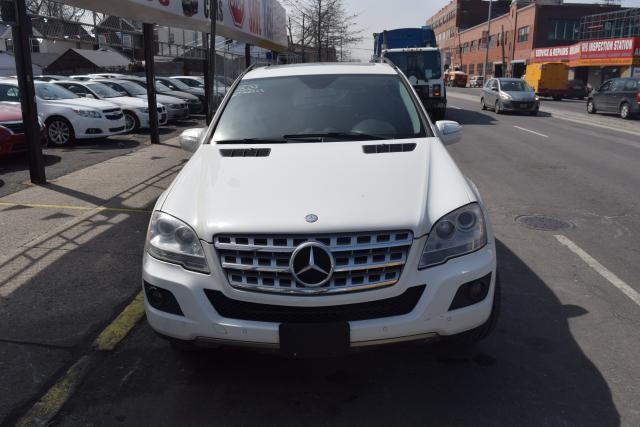 2009 Mercedes-Benz ML350 3.5L Richmond Hill, New York 2