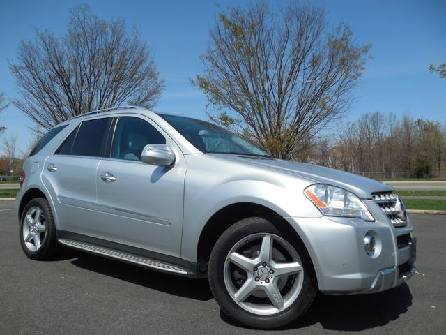 2009 Mercedes-Benz ML550 5.5L Leesburg, Virginia 1