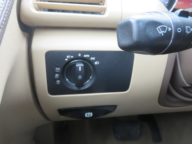 2009 Mercedes-Benz R350 3.5L Charlotte-Matthews, North Carolina 23