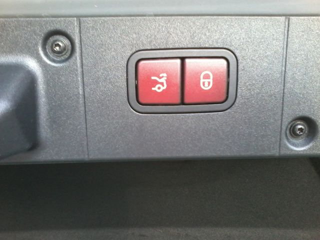 2009 Mercedes-Benz S63 Sedan  Msrp was $141,660.00 new San Antonio, Texas 17