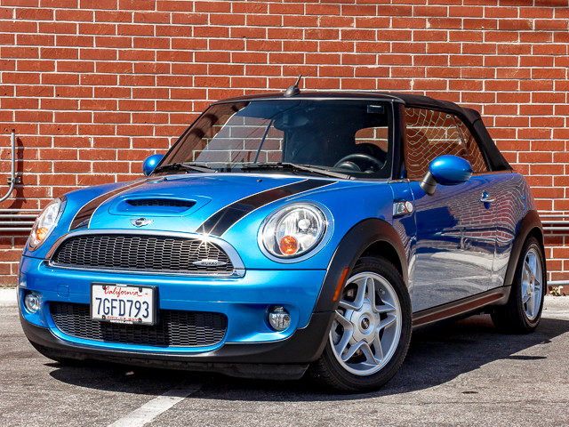 2009 Mini Convertible S John Cooper Works Burbank, CA 0