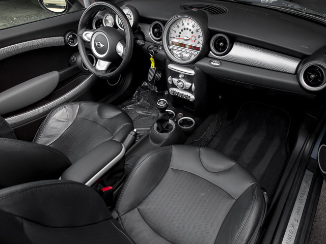 2009 Mini Convertible S John Cooper Works Burbank, CA 14