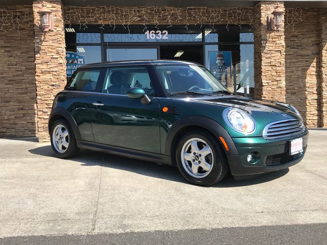2009 MINI Cooper Clean CARFAX Green 2009 MINI Cooper FWD 6-Speed Manual with Overdrive 16L I4 DO