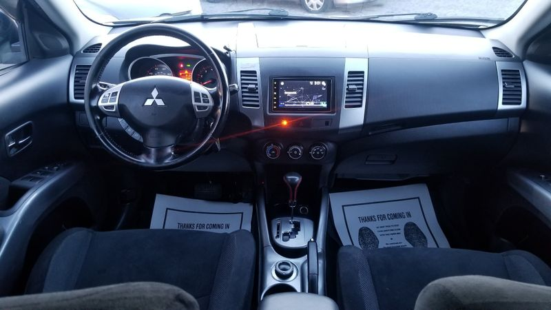 2009 Mitsubishi Outlander ES  in Frederick, Maryland