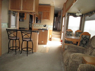 2009 Monaco Lakota   city Florida  RV World of Hudson Inc  in Hudson, Florida