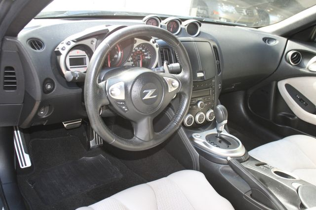 2009 Nissan 370Z Touring Houston, Texas 8