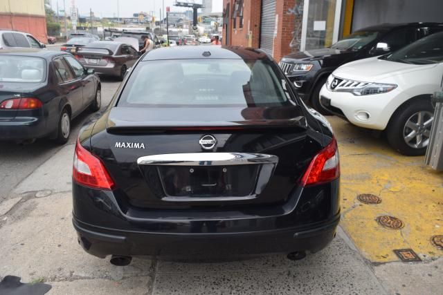 2009 Nissan Maxima 4dr Sdn V6 CVT 3.5 S Richmond Hill, New York 3