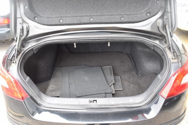 2009 Nissan Maxima 4dr Sdn V6 CVT 3.5 S Richmond Hill, New York 4