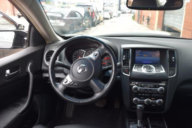 2009 Nissan Maxima 4dr Sdn V6 CVT 3.5 S Richmond Hill, New York 9
