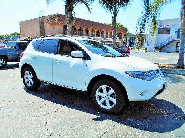 2009 Nissan Murano SL Limited warranty included to assure your worry-free purchase AutoCheck repo