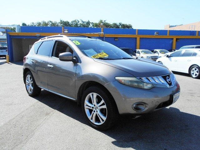 2009 Nissan Murano LE Limited warranty included to assure your worry-free purchase AutoCheck repo