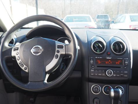 2009 Nissan Rogue SL | Whitman, Massachusetts | Martin's Pre-Owned in Whitman, Massachusetts