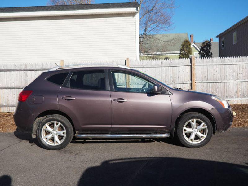 2009 Nissan Rogue SL | Whitman, Massachusetts | Martin's Pre-Owned