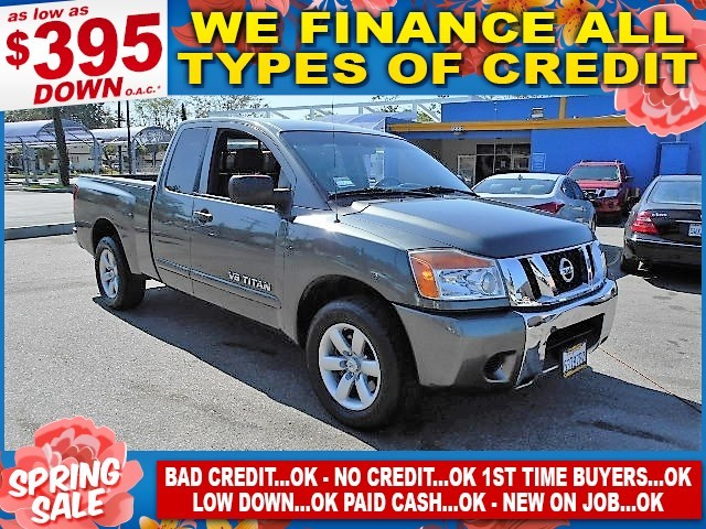 2009 Nissan Titan SE Limited warranty included to assure your worry-free purchase AutoCheck repor