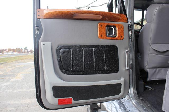 2009 Peterbilt Knight Hauler Crew Cab Mooresville , NC 90