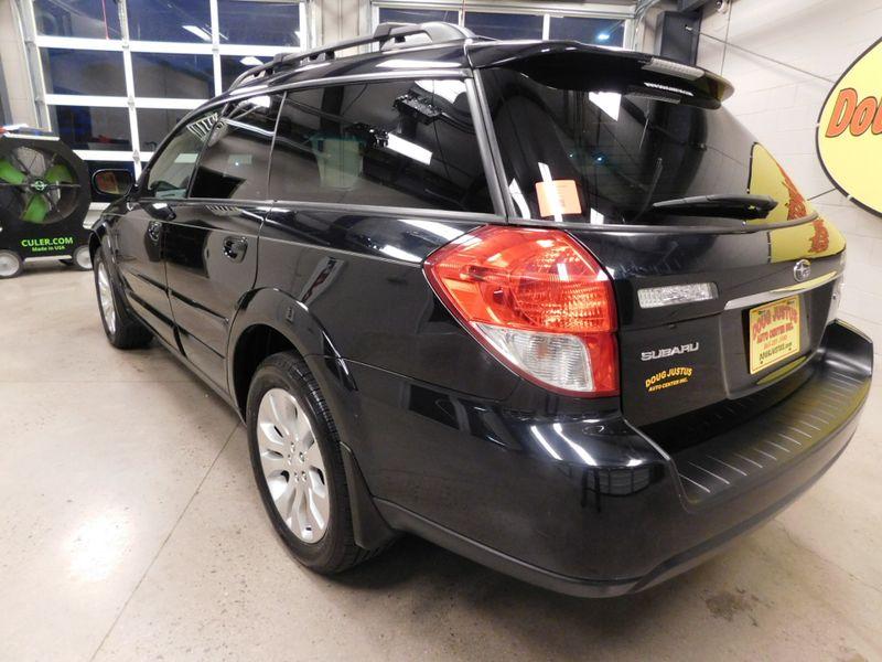 2009 Subaru Outback Ltd  city TN  Doug Justus Auto Center Inc  in Airport Motor Mile ( Metro Knoxville ), TN