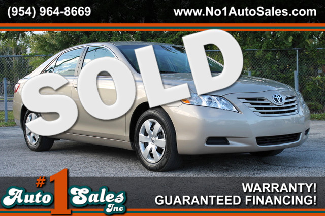 2009 Toyota Camry SE  WARRANTY CARFAX CERTIFIED AUTOCHECK CERTIFIED 2 OWNERS 12 SERVICE REC