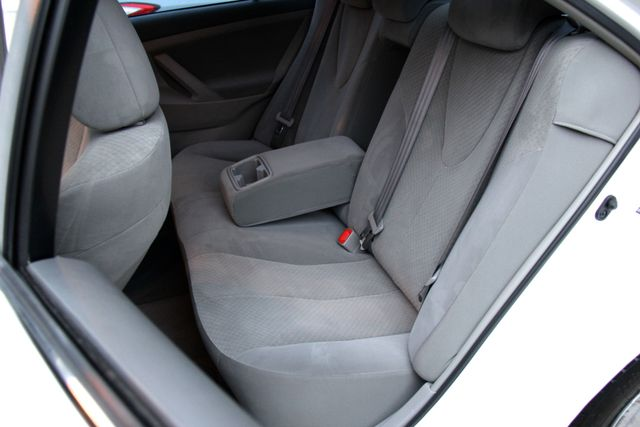 2009 Toyota Camry LE Reseda, CA 14