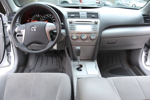 2009 Toyota Camry LE Reseda, CA 9