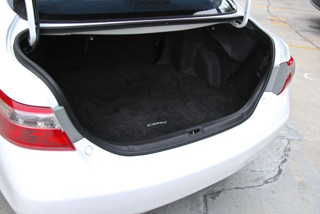 2009 Toyota Camry LE Reseda, CA 10