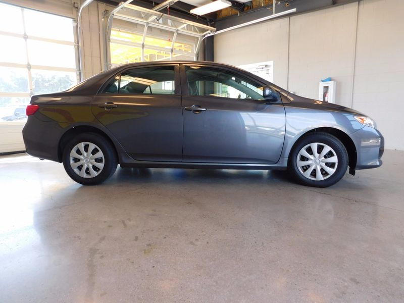 2009 Toyota Corolla LE  city TN  Doug Justus Auto Center Inc  in Airport Motor Mile ( Metro Knoxville ), TN