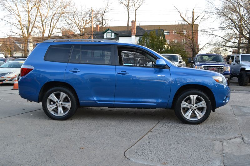 2009 Toyota Highlander Sport  city New  Father  Son Auto Corp   in Lynbrook, New