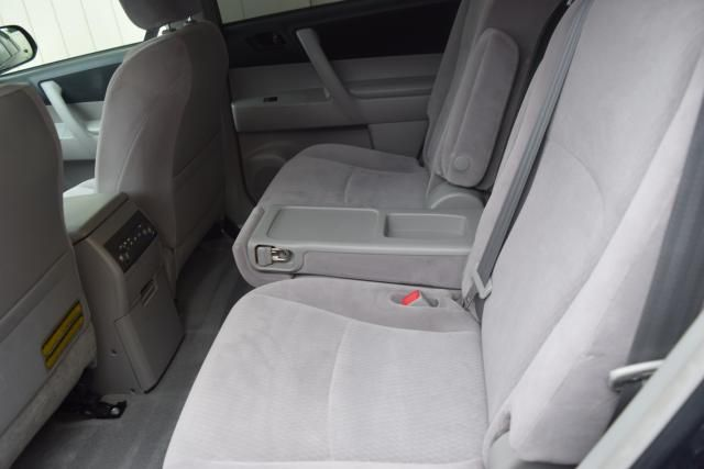 2009 Toyota Highlander Base Richmond Hill, New York 9