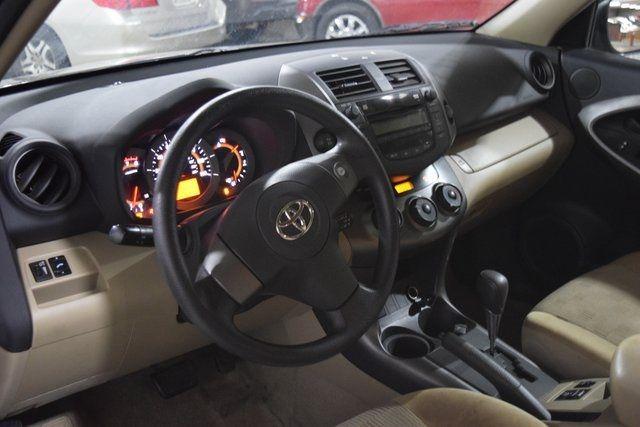 2009 Toyota RAV4 Base Richmond Hill, New York 14