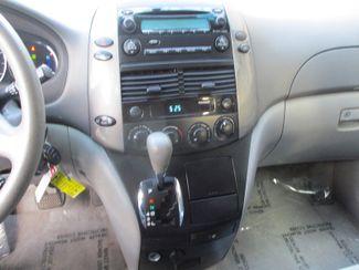 2009 Toyota Sienna LE Farmington, Minnesota 5
