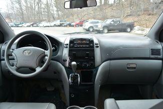 2009 Toyota Sienna LE Naugatuck, Connecticut 13