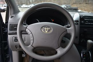 2009 Toyota Sienna LE Naugatuck, Connecticut 16