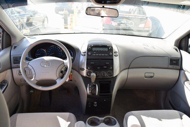 2009 Toyota Sienna LE Richmond Hill, New York 18