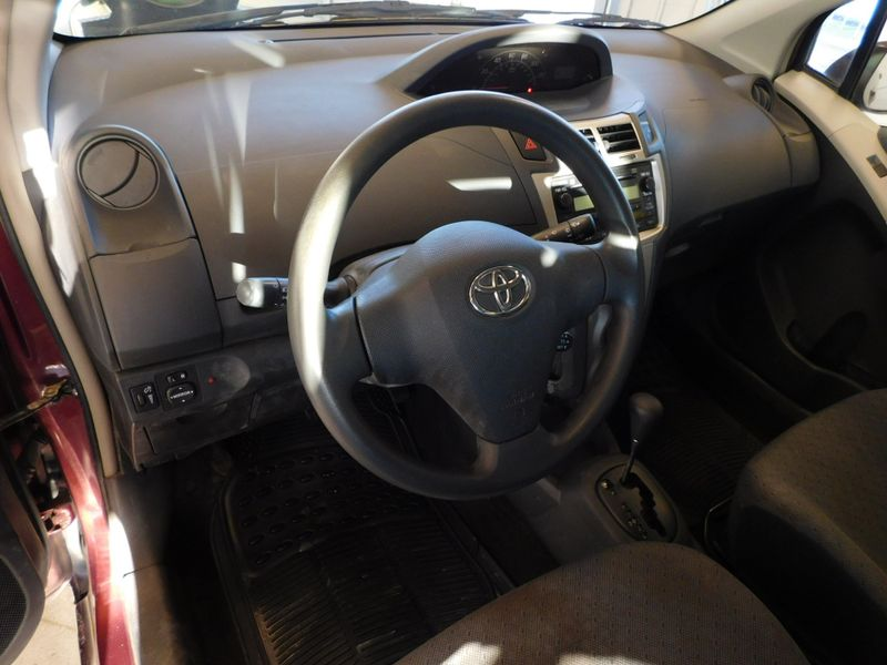2009 Toyota Yaris   city TN  Doug Justus Auto Center Inc  in Airport Motor Mile ( Metro Knoxville ), TN