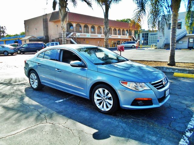 2009 Volkswagen CC Sport Limited warranty included to assure your worry-free purchase AutoCheck r