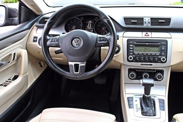 2009 Volkswagen CC SPORT AUTOMATIC 95K MILES HEATED STS ALLOY WHLS Woodland Hills, CA 24