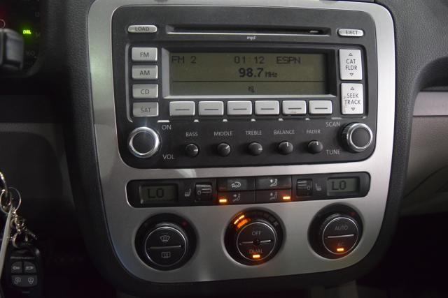 2009 Volkswagen Eos Komfort Richmond Hill, New York 12