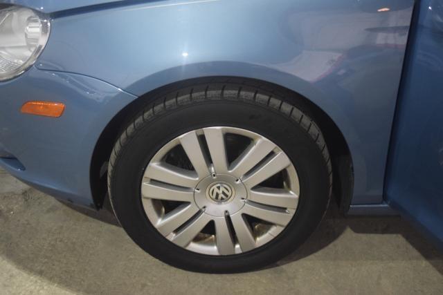 2009 Volkswagen Eos Komfort Richmond Hill, New York 13