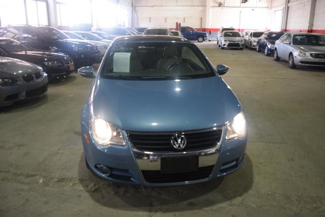 2009 Volkswagen Eos Komfort Richmond Hill, New York 2
