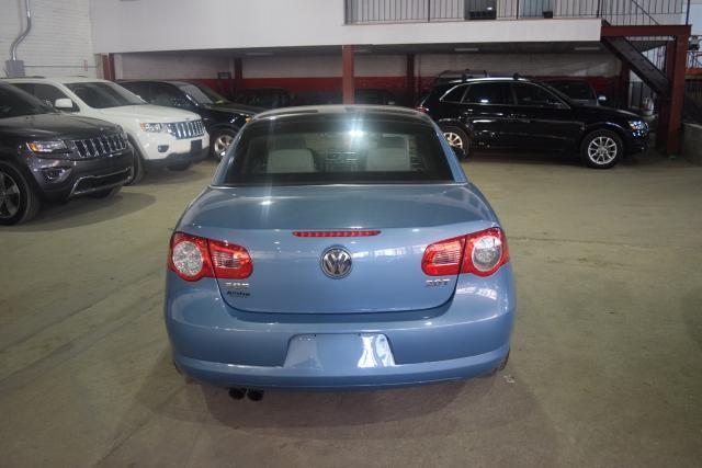 2009 Volkswagen Eos Komfort Richmond Hill, New York 3