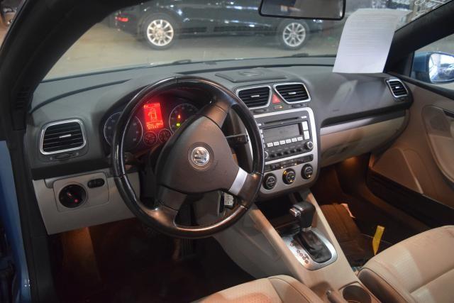2009 Volkswagen Eos Komfort Richmond Hill, New York 9