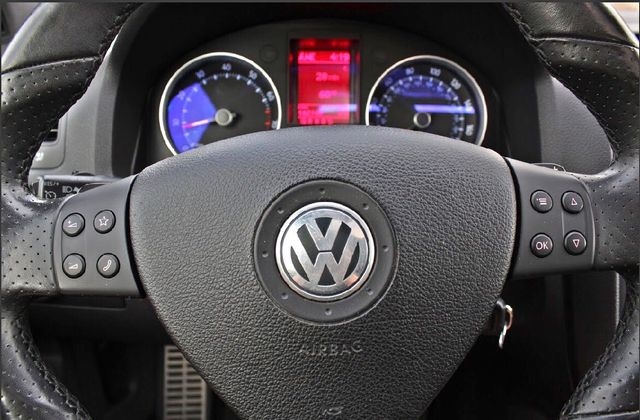 2009 Volkswagen GTI HATCHBACK DSG AUTOMATIC SUNROOF LEATHER SERVICE RECORDS XENON Woodland Hills, CA 18