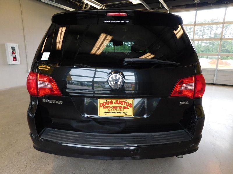 2009 Volkswagen Routan SEL  city TN  Doug Justus Auto Center Inc  in Airport Motor Mile ( Metro Knoxville ), TN