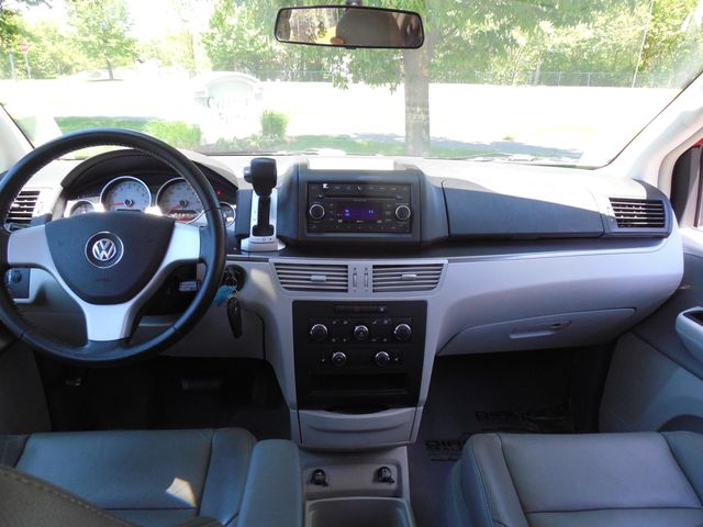 2009 Volkswagen Routan SEL W/RSE Leesburg, Virginia 19
