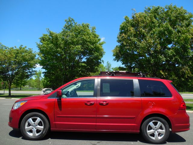 2009 Volkswagen Routan SEL W/RSE Leesburg, Virginia 4