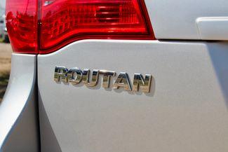2009 Volkswagen Routan SEL Sealy, Texas 17