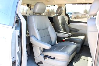 2009 Volkswagen Routan SEL Sealy, Texas 37