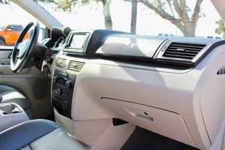 2009 Volkswagen Routan SEL Sealy, Texas 39