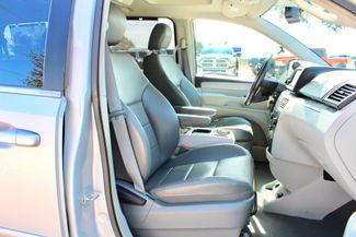 2009 Volkswagen Routan SEL Sealy, Texas 40