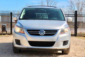 2009 Volkswagen Routan SEL Sealy, Texas 3